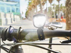 Lumini LED cu acumulator, pentru bicicletă